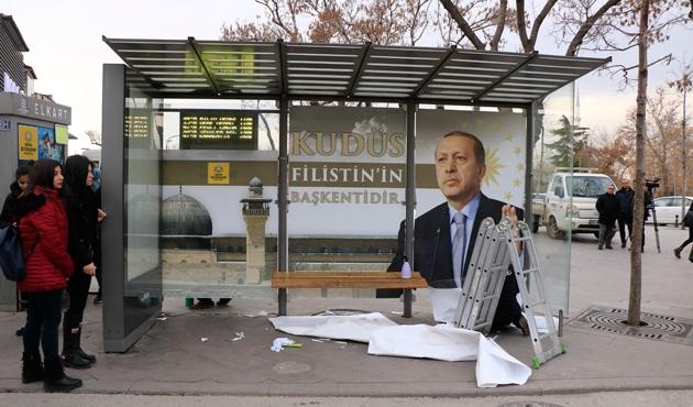 'Kudüs' temalı durak ilgi çekiyor