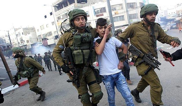 İsrail güçleri 2017'de 6 bin 742 Filistinliyi gözaltına aldı