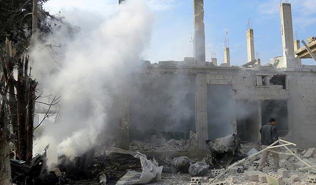 Esad rejiminin İdlib'e hava saldırısında 9 sivil öldü