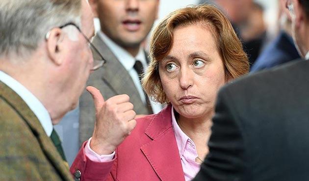 Almanya'da aşırı sağcı siyasetçiye 'Twitter' engeli