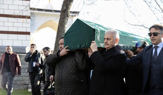 Başbakan Yıldırım, öğretmeninin cenazesine katıldı