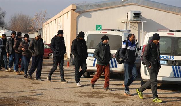 Edirne'de 506 kaçak ve sığınmacı yakalandı