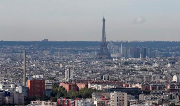 Fransa'da 200 bin eve elektrik verilemiyor