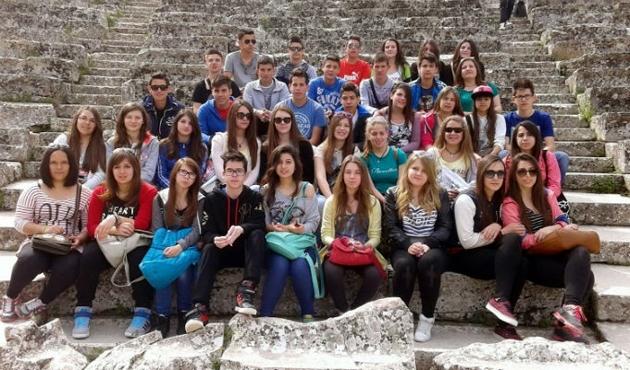 Yunanistanda yurtdışı okul gezileri artık yasak