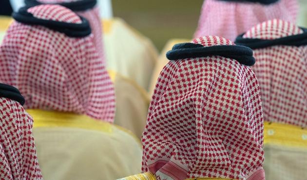 Suudi Arabistan prenslerin gözaltına alındığını doğruladı