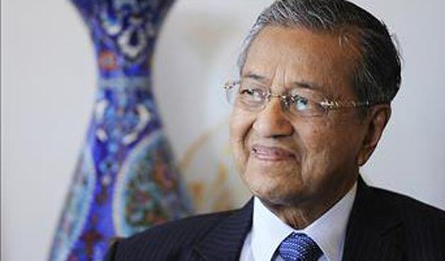 Malezya'da 22 yıl başbakanlık yapan Mahathir tekrar aday