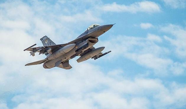 Yemen'de koalisyon güçlerine ait savaş uçağı düştü