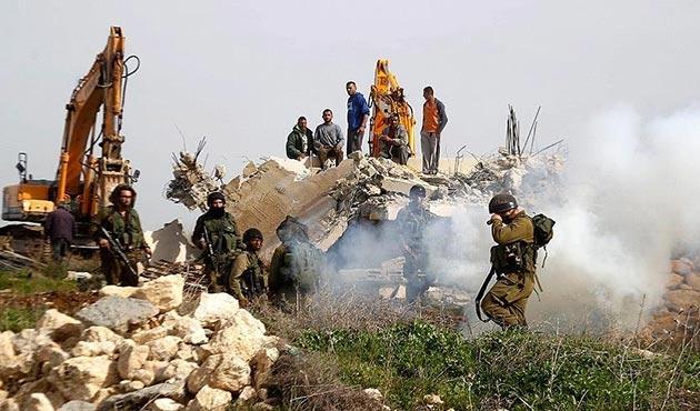 Filistinli ailelerin tarım arazileri buldozerlerle tahrip edildi