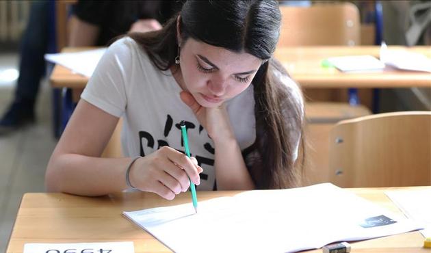 YEE'nin Türkçe Yeterlik Sınavı'na yoğun ilgi