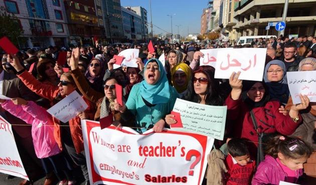 IKBY'ye bağlı Kerküklü öğretmenlerden maaş protestosu