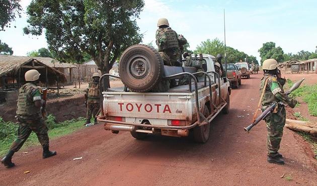 Orta Afrika'da 90 bin kişi yerinden oldu