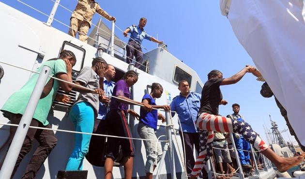 Libya'daki Nijeryalı kaçak göçmenler ülkelerine döndü