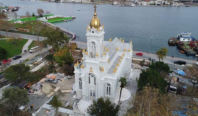 'Demir Kilise'ye ziyaretçi ilgisi