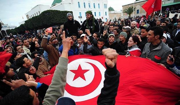 'Arap Baharı'nın ilk ayağı olan Tunus devriminin yedinci yıl dönümü