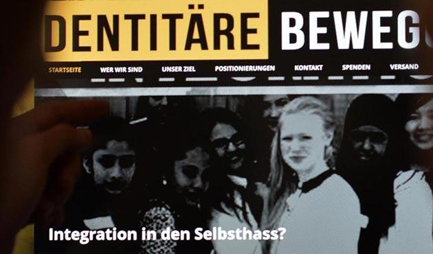 Almanya'da ırkçılar gözlerini sığınmacı çocuklara diktiler