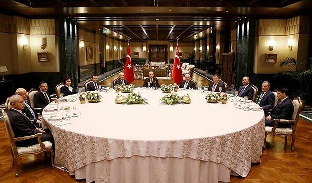 Cumhurbaşkanı Erdoğan'dan Beştepe'de erkler zirvesi