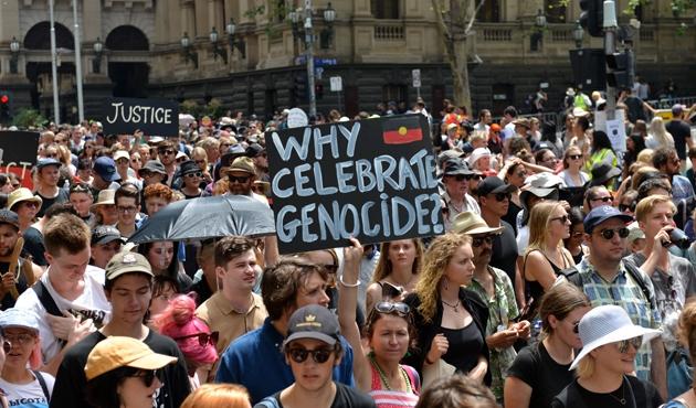 'Avustralya Günü'nde İngiliz karşıtı protesto