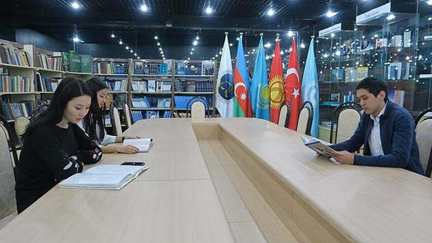 Astana'daki Türk Kütüphanesi Türkologların gözdesi