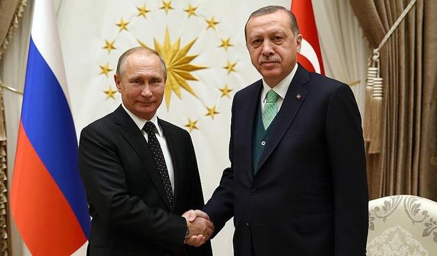 Cumhurbaşkanı Erdoğan, Putin'le Soçi ve Afrin'i görüştü