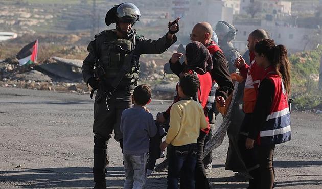 İşgal güçlerinden 14 yaşındaki Filistinli kız çocuğuna 'sürgün'