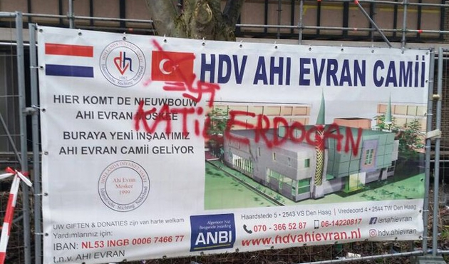 Hollanda'da inşası süren camiye saldırı