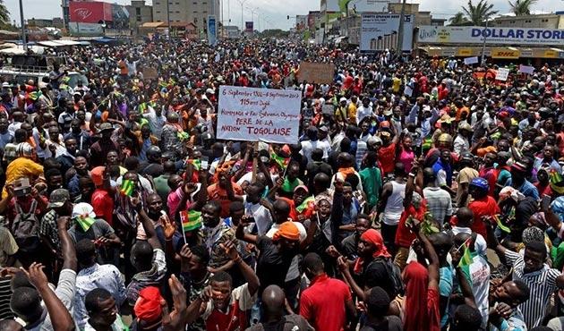 Togo'da binlerce kişiden hükümet karşıtı gösteri