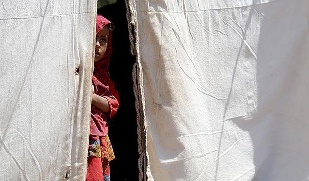 Yemen'de 3 yıldır süren savaş binlerce insanı barınaksız bıraktı