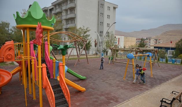 Mardin'de kırsal mahallelere çocuk parkı