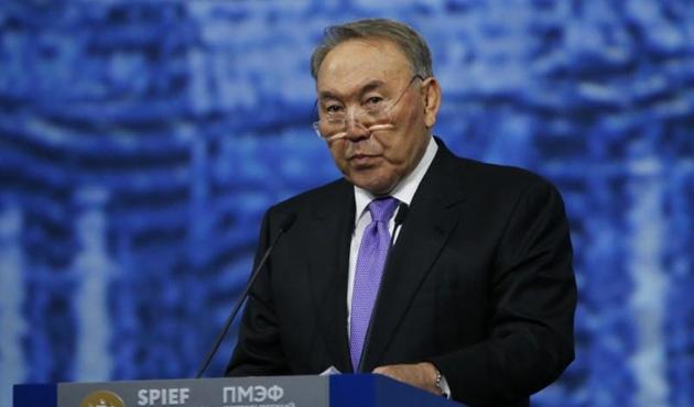 Nazarbayev için ömür boyu başkanlık teklifi