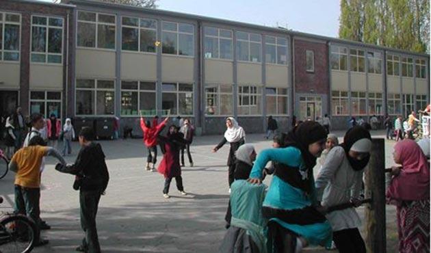 Hollanda Danıştayından İslami okul kararı