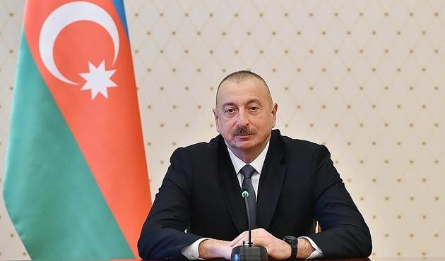 İlham Aliyev cumhurbaşkanlığına yeniden aday