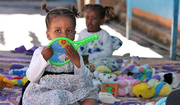 Etiyopyalı kimsesiz çocukların yürek burkan hayatları