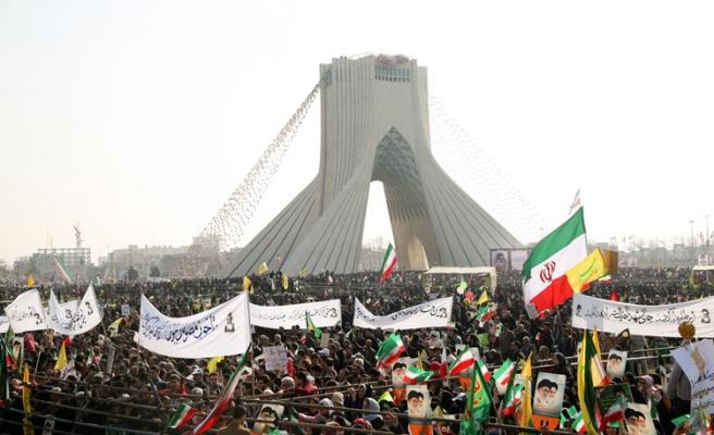 İranlılar 'Devrim'in 39. yılını kutluyor