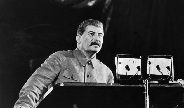 Özbek liderden Kerimov dönemine Stalin benzetmesi