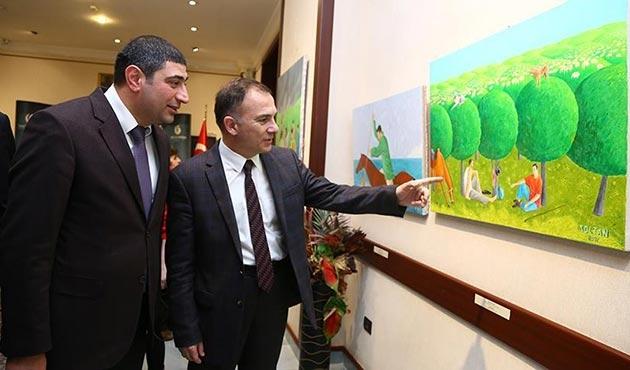 Yunus Emre Enstitüsü'nden Bakü'de resim sergisi