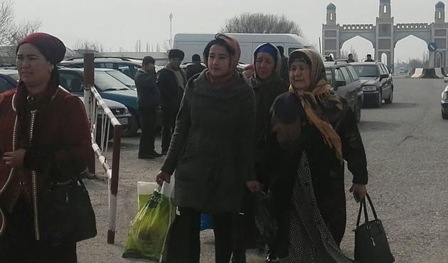 Özbek - Tacik sınır kapıları 10 yıl sonra açıldı