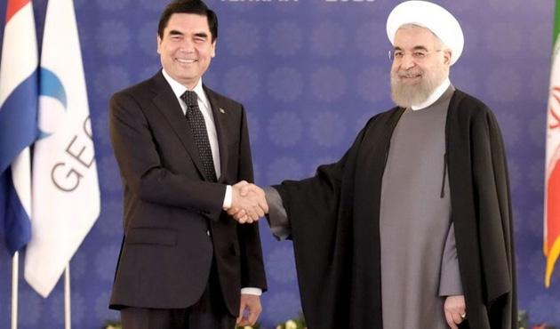 İran Cumhurbaşkanı'ndan Türkmenistan'a ziyaret