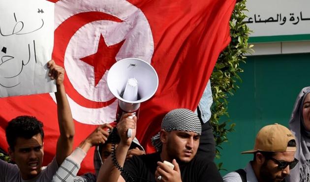 Tunuslu bakandan 'protesto hazırlığındaki vatandaşlara' uyarı