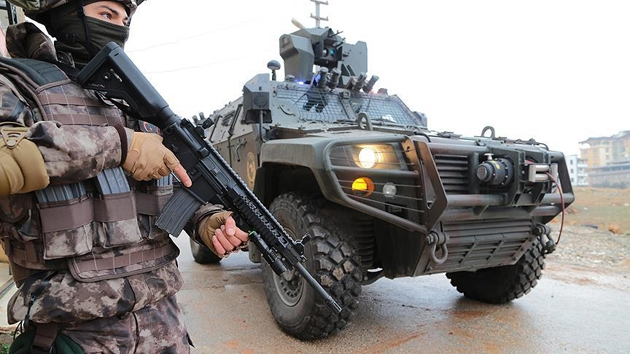 Şırnak'ta 3 YPG/PKK mensubu teslim oldu