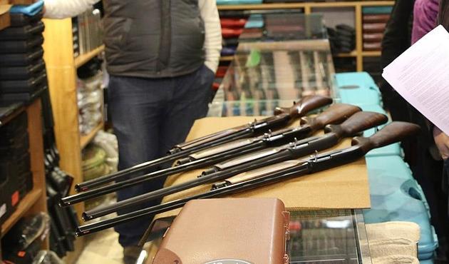 Florida meclisi öğretmenlerin silahlandırılması tasarısını kabul etti