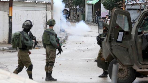 İsrail askerleri Filistinli bir genci şehit etti