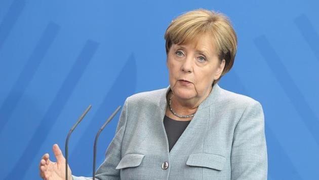 Merkel'den ABD′nin ek vergi kararına tepki