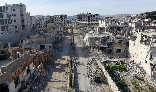 Esed rejimi ve destekçilerinin saldırılarıyla Doğu Guta üç parça