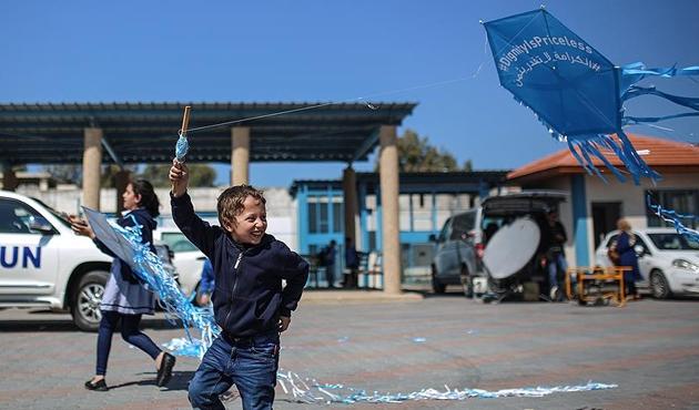 Gazzeli çocuklardan UNRWA'ya destek için 'uçurtma' eylemi