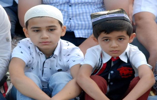 Özbekistan'da çocuklara camiye gitmek yasaklandı