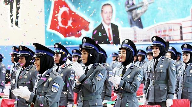 Sivas'ta eğitilen Afgan kadın polisler mezun oldu