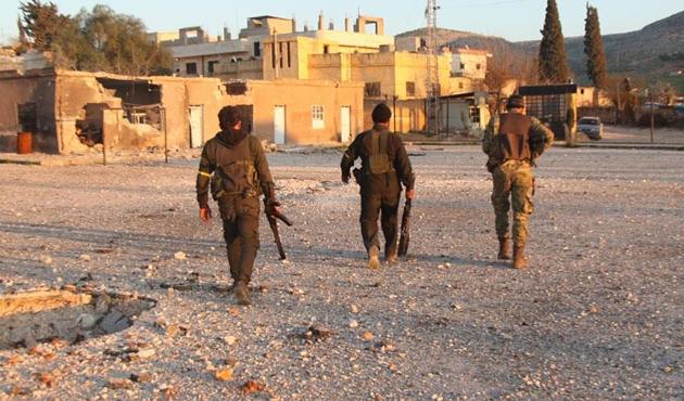 ÖSO, kurtarılan köylerdeki Afrinlilerin güvenliğini sağlıyor