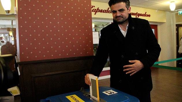 Hollanda'da yerel seçime ilk kez katılan Denk Partisi tarih yazıyor