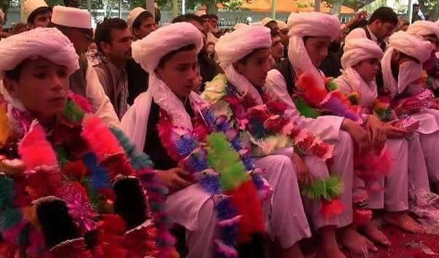 Afganistan'da hafızlık okuluna hava saldırısı: 100 ölü
