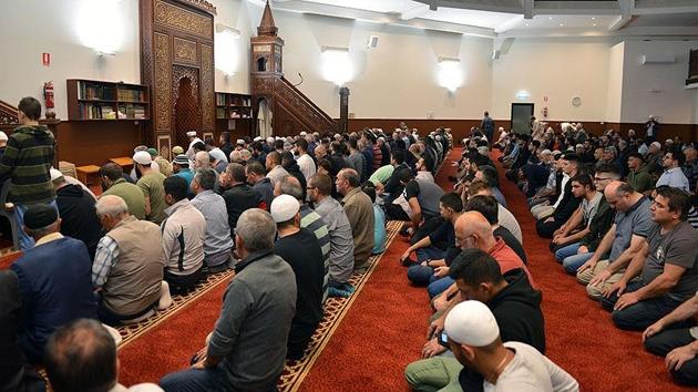 Avustralya'da Miraç Kandili'nde camiler doldu taştı